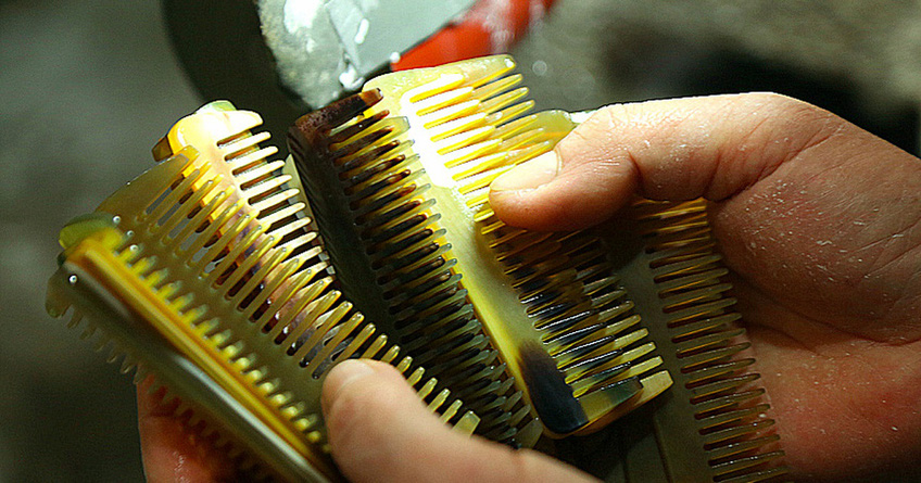 Thu tiền triệu từ chế tác sừng trâu ngày giáp Tết Tân Sửu