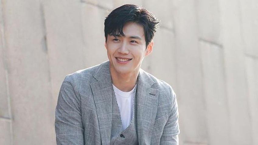 Nam diễn viên Kim Seon Ho xin lỗi và thừa nhận cáo buộc ép bạn gái phá thai
