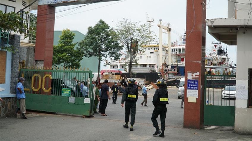 Vụ làm giả 2,7 triệu lít xăng: Khám xét công ty xăng dầu lớn nhất Vũng Tàu