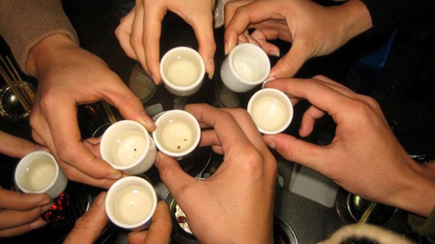 Làm sao để giải rượu bia nhanh chóng trong ngày Tết?