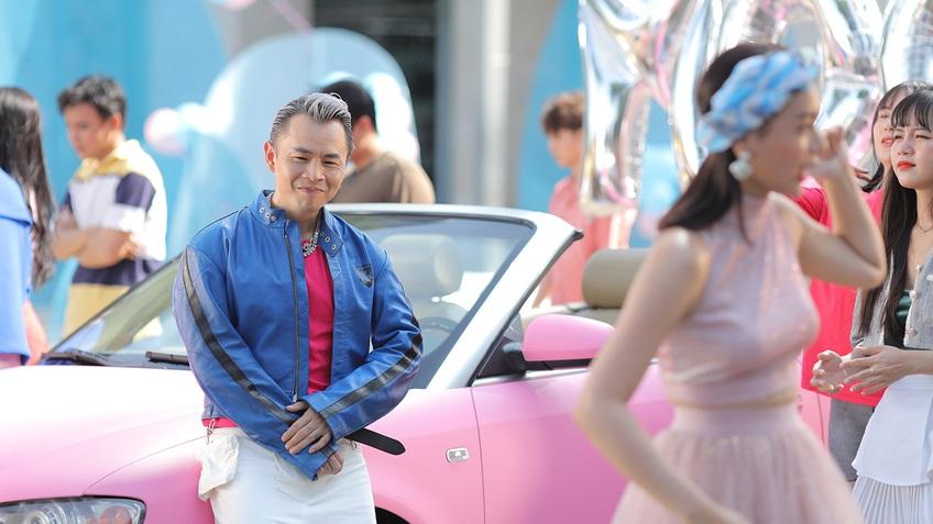 'Pinkboy' Binz tung ảnh hậu trường MV mới, khoe xế xịn toàn màu hồng