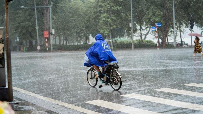 Thời tiết hôm nay: Các tỉnh phía Bắc tiếp tục có mưa rào và dông
