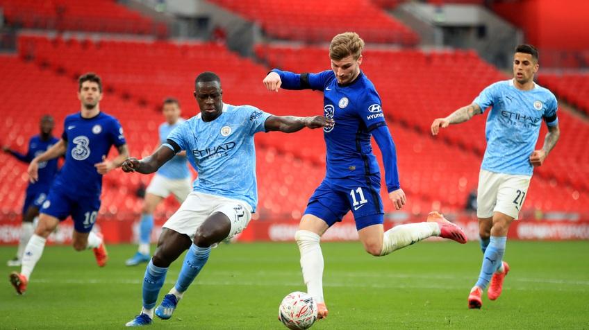 UEFA cân nhắc cho chung kết Man City - Chelsea về đá ở Anh