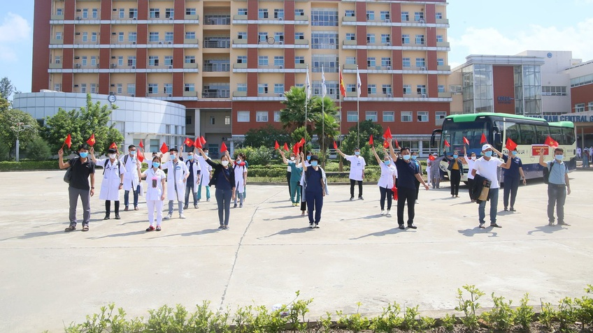 Hơn 6.000 nhân lực y tế chi viện chống dịch có mặt tại TP.HCM