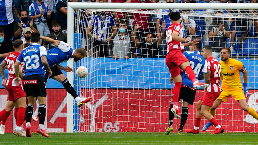 Alaves 1-0 Atletico: ĐKVĐ thua sốc đội bét bảng