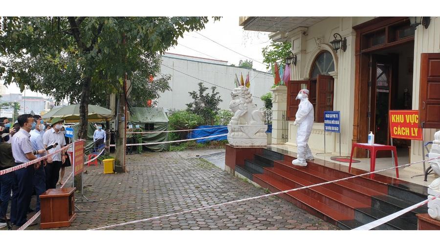 Đình chỉ công tác Giám đốc Trung tâm Y tế TP Yên Bái do vi phạm khuyết điểm trong phòng chống dịch COVID-19