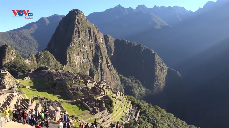Peru nâng số lượng khách du lịch đến thánh địa Machu Picchu