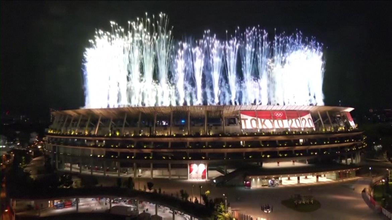 Pháo hoa rực rỡ chào mừng khai mạc Thế vận hội Tokyo 2020