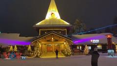 Ngôi làng của ông già Noel vắng vẻ trước dịp Giáng sinh