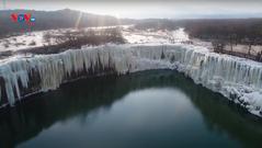Những thác nước đóng băng tuyệt đẹp ở Trung Quốc