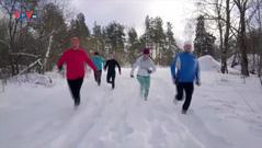 Phần Lan: Thi chạy không giày trên tuyết