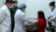 35 tình nguyện viên đầu tiên tiêm thử nghiệm vaccine Covid-19 giai đoạn 2 của Việt Nam