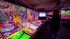 Bức tranh canvas lớn nhất thế giới bán đấu giá 62 triệu USD