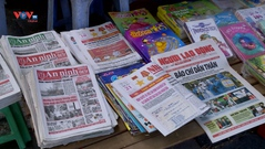 Những sạp báo vỉa hè: Nét văn hóa của người Hà Nội xưa