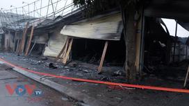 Phú Thọ: Cháy lớn thiêu rụi cửa hàng bán xe máy