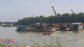 Tuyên Quang: Bao giờ sông Lô hết 'quặn đau' vì cát tặc?