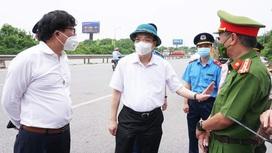 Chủ tịch Hà Nội: Xem xét nới lỏng cho các vùng giáp ranh