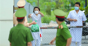Thêm 20 người nghi mắc COVID-19 ở Bệnh viện Bệnh Nhiệt đới Trung ương