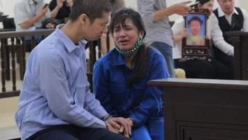 Bé 3 tuổi bị mẹ đẻ, bố dượng bạo hành đến chết: Bà ngoại kháng cáo bản án