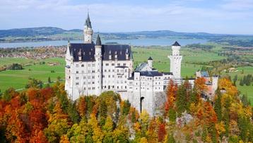 Mùa thu rực rỡ ở lâu đài cổ tích