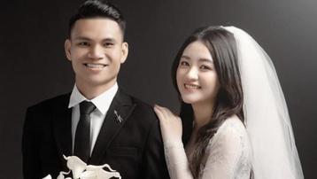 Nhan sắc vợ sắp cưới của tuyển thủ Việt Nam Phạm Xuân Mạnh