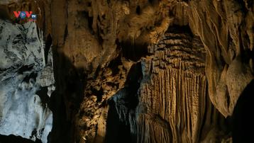 Đến Vườn Quốc gia Cát Bà khám phá hang động Trung Trang huyền bí
