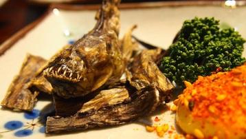 """Loài cá có hình thù kỳ dị là đặc sản """"săn đón"""" ở Nhật Bản"""