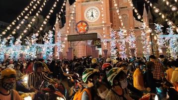 Giáng sinh nhẹ nhàng ấm áp ở Thành phố Hồ Chí Minh