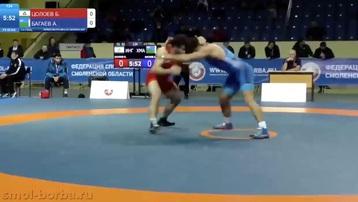 Chuyển từ đấu vật sang đánh võ nhanh như chớp ở giải trẻ Nga