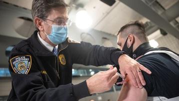 Mỹ: Kỷ lục hơn 4.200 người tử vong/ngày vì Covid-19
