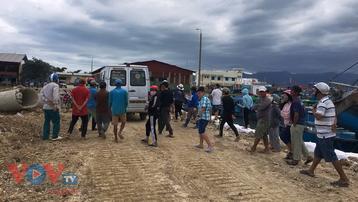 Khánh Hòa: Tàu cá gặp nạn, 2 ngư dân chết và mất tích
