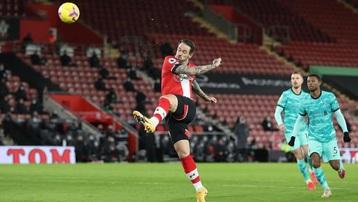 Kết quả vòng 17 Ngoại Hạng Anh: Thua Southampton, Liverpool dễ bị Man Utd soán ngôi đầu