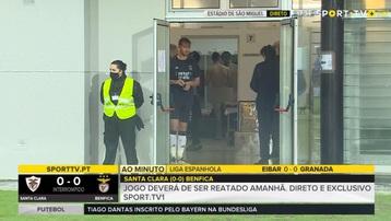 Sao Benfica vô ý tứ, để lọt hình ảnh 'trần như nhộng' trên sóng truyền hình