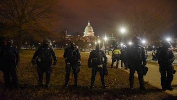 4 người chết, 52 người bị bắt sau vụ hỗn loạn bạo lực tại đồi Capitol, Mỹ