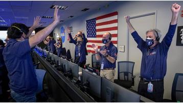 Robot tự hành Perseverance của NASA hạ cánh thành công xuống sao Hỏa