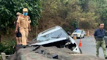 Ô tô mất lái trên đèo Bảo Lộc, cả gia đình gặp nạn, bé 7 tuổi tử vong