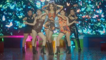 Ngán ngẩm trước loạt 'hạt sạn siêu to khổng lồ' trong MV mới của Phí Phương Anh