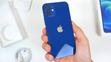 Apple bị phạt vì bán iPhone không kèm sạc