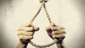 Quảng Bình: Dùng dao rựa chém chết trưởng thôn rồi treo cổ tự tử