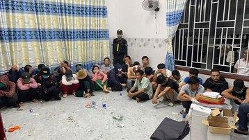 Đắk Lắk: Tham đánh bạc quy mô lớn, 35 người bị khởi tố