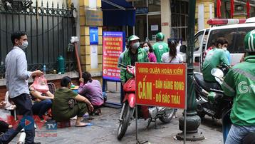 Hà Nội: Nhiều cổng bệnh viện bị lấn chiếm giữa lòng thủ đô