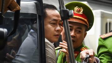 Phan Văn Anh Vũ khai đưa hối lộ cho ai?