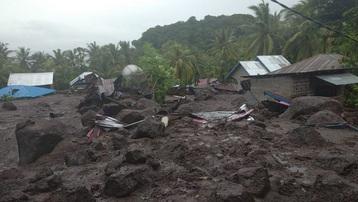 Thảm hoạ sạt lở đất ở Indonesia vùi lấp hàng trăm người