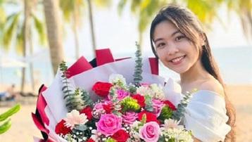 Nhan sắc tuổi 15 của con gái MC Quyền Linh