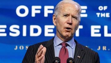 Tổng thống Mỹ Joe Biden cảnh báo nước Mỹ vẫn chưa về đích trong cuộc chiến chống Covid-19