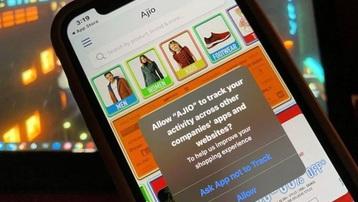 Facebook 'dọa' sẽ hết miễn phí nếu người dùng iPhone không cho theo dõi