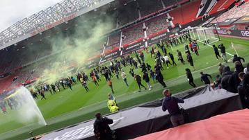 Trận MU vs Liverpool bị HOÃN, chưa rõ thời điểm đá bù