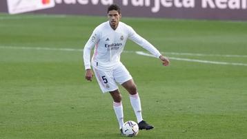 Real Madrid mất Varane ở trận bán kết lượt về với Chelsea