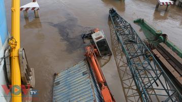 Bạc Liêu: Thêm một sà lan hơn 370 tấn bị chìm tại cửa cống Nhà Mát gây ách tắc giao thông