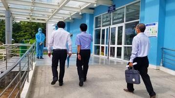 TPHCM: Đi khám vì bị sốt, hai vợ chồng được phát hiện mắc Covid-19